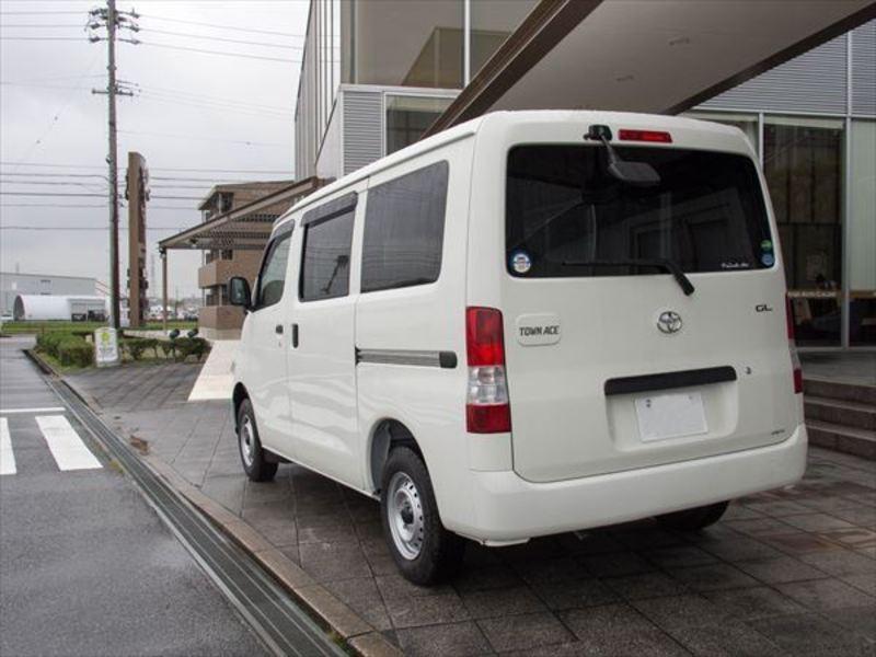 トヨタ タウンエースVAN3