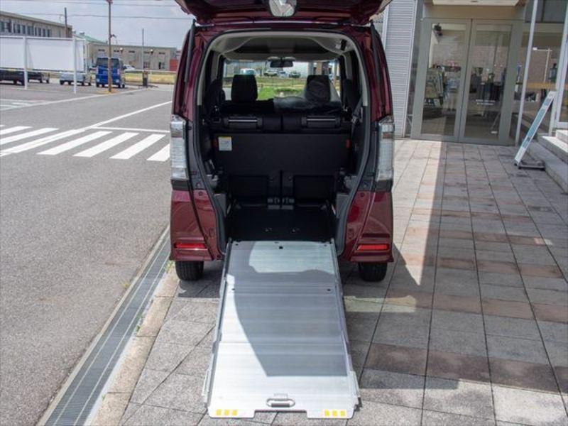 ホンダ N-BOX+カスタム 車椅子仕様車7