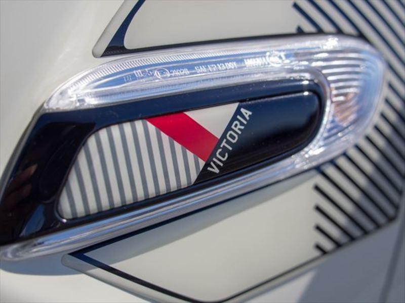 BMW MINI8