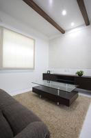 living(リビング) 白を基調とした清潔感溢れるリビング。梁を見せることによって木の温もりを感じることができ、お部屋のアクセントにもなります。