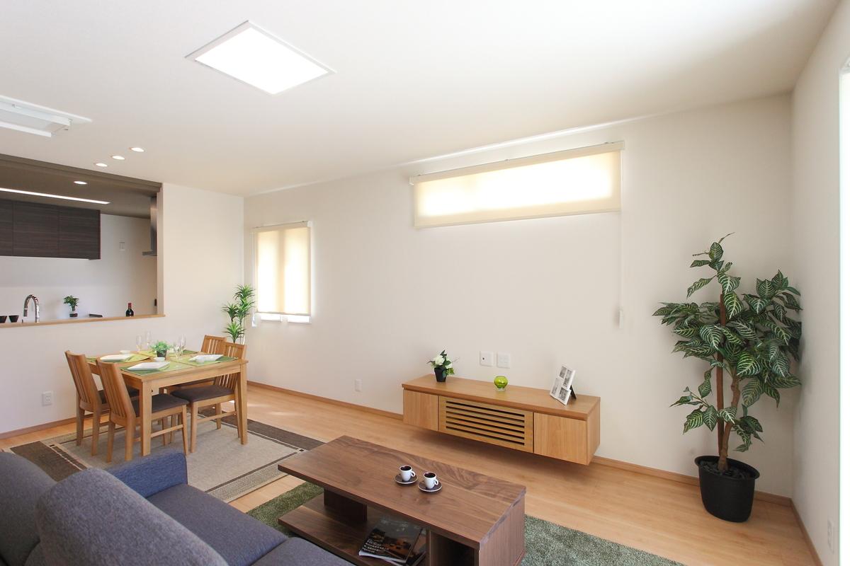 living(リビング) 床暖房設置で、冬は足元からも暖かく快適に過ごせます