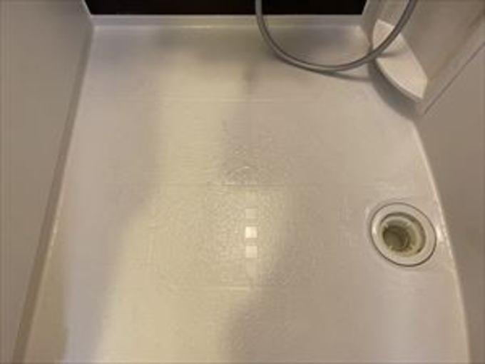 お風呂の床が水垢で真っ黒 作業後