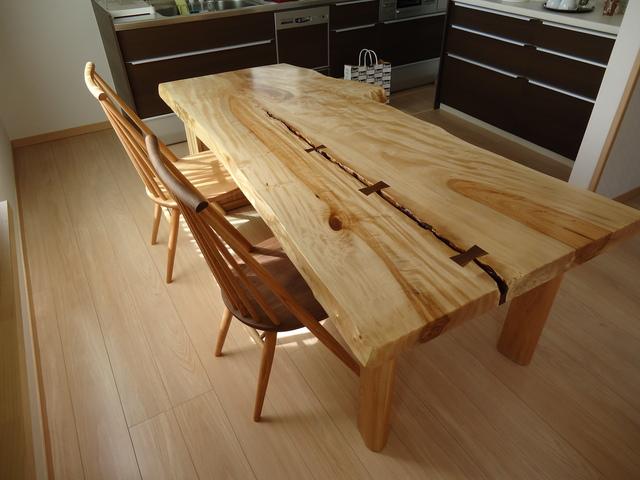 栃(トチ)一枚板テーブル