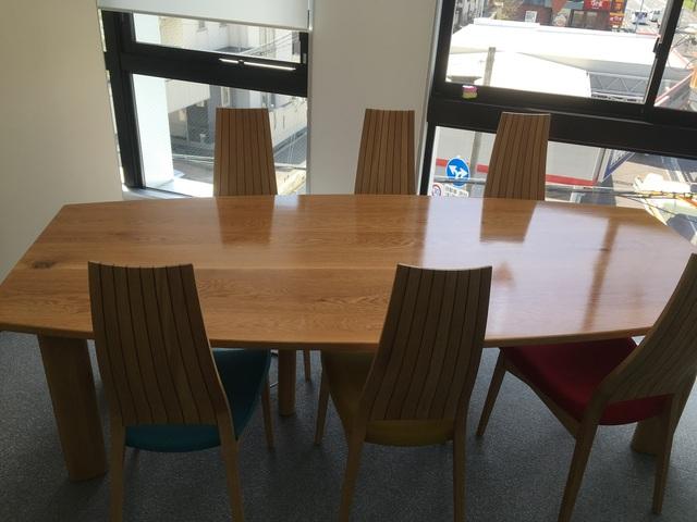 会議テーブル(販売店:HDC神戸店)
