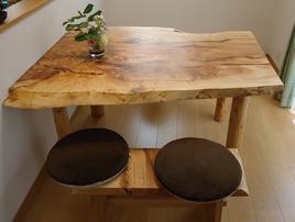 無垢板一枚テーブル03
