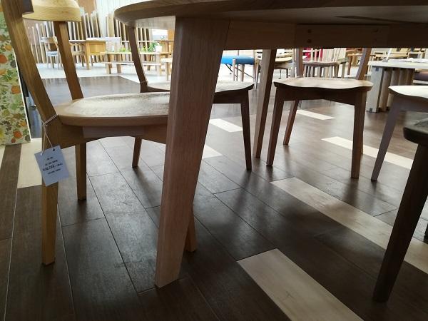 丸テーブル ラウンドテーブル 円卓 無垢材 3本脚