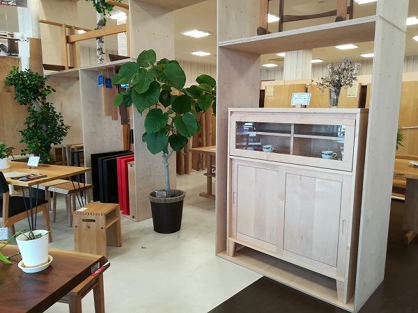 奈良無垢材家具 食器棚 カップボード