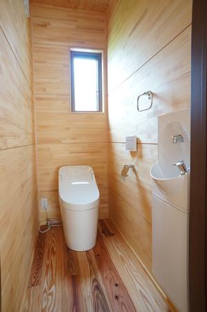自然素材をふんだんに使った空気のキレイな家11