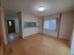 空気断熱+トリプルガラス樹脂窓の  『最強断熱』の家10