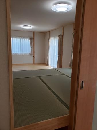 空気断熱+トリプルガラス樹脂窓の  『最強断熱』の家12