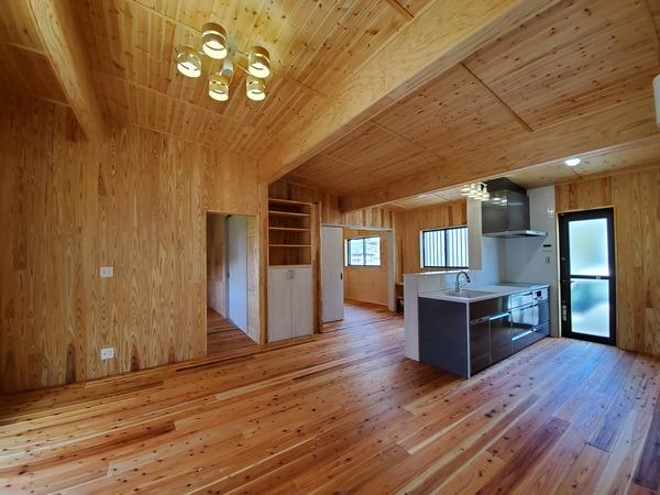 【注文住宅】木の香り溢れるたっぷり自然素材の家1