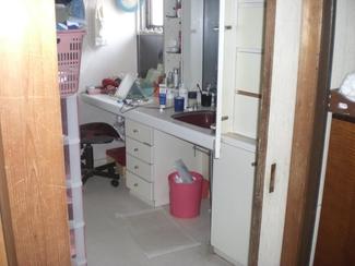 整理整頓が楽しくなる収納たっぷり洗面所施工前