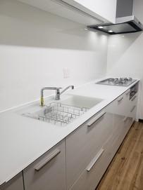 機能的で清潔感あふれるキッチンへ1