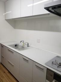 機能的で清潔感あふれるキッチンへ2