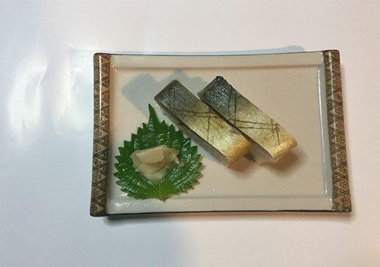 旬のサバを使用したサバ寿司3